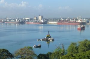 Dar es Salaam harbour (Credit: Tom Minney)
