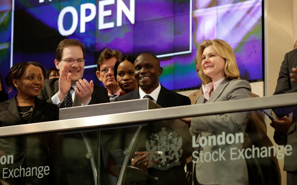 Moremi Marwa of DSE and UK Secretary of State for International Development open trading on the London Stock Exchange. Credit: London Stock Exchange
